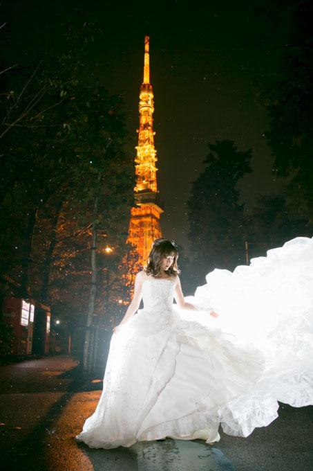 いつものイルミネーションの東京タワーを背景に前撮り&フォトウェディング