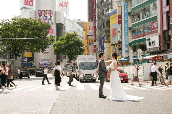 横断歩道前撮りの人気スポット、渋谷スクランブル交差点