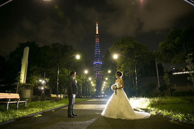 東京タワーへと一直線に伸びる道はウェディングフォトの撮影ポイント