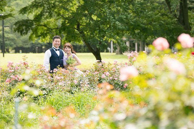 四季折々の花が咲き誇る空間は結婚写真のスポットにピッタリ