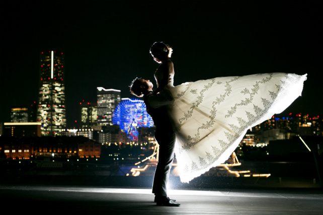 ドレスの後姿がきれいに撮影できる大桟橋