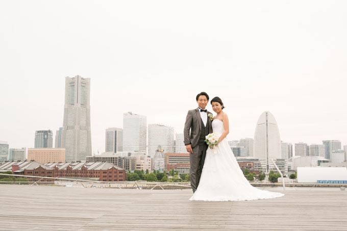 みなとみらいや赤レンガ倉庫、ランドマークタワーを背景にした前撮り&フォトウェディングは横浜大さん橋以外では難しい絶好のポイント
