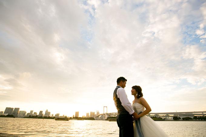 刻一刻と表情を変える東京港の風景を背景に前撮り&フォトウェディング